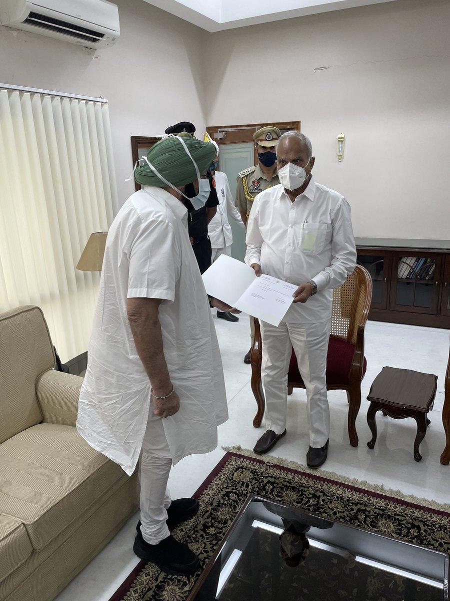 Felt humiliated, Amarinder Singh quits as Punjab CM